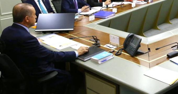 Erdoğan kara kaplı defteri açıp hepsini tek tek inceledi