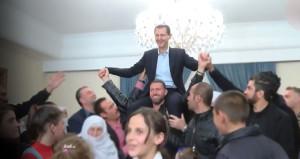 Esad omuzlarda taşındığı sırada büyük tehlike atlattı! O anlar kamerada