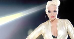 Ünlü şarkıcı, sosyal medyadan katilin peşine düştü!