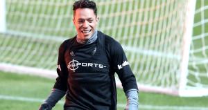 Adriano: Beşiktaşta oynuyorum ama Sevillayı destekliyorum