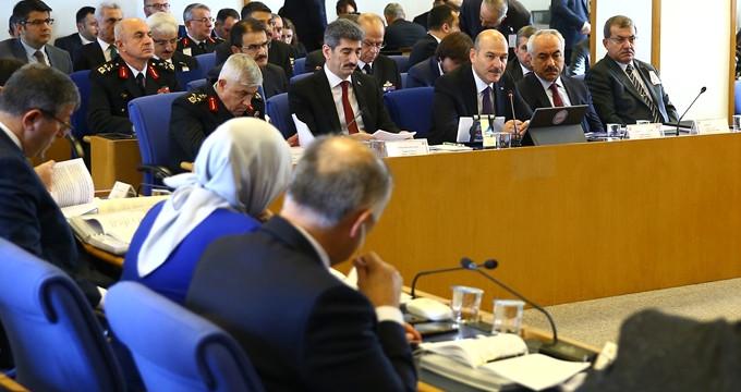 """Bakan Soylu, """"Tecavüz"""" çıkışıyla komisyondaki HDP'lilerin sesini kesti"""