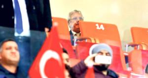 Türkiye - İsveç maçında tribünde sürpriz isim