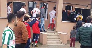 3 gün boyunca 'Göğsüm ağrıyor' diyen futbolcu, maçta hayatını kaybetti