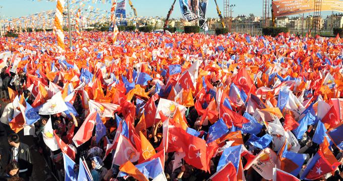 AK Parti'nin adaylık teklif ettiği isim, CHP'ye başvuru yaptı