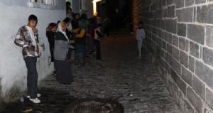 Sokak kana bulandı! İki grup dakikalarca çatıştı: Ölü ve yaralılar var