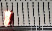 Tribünde skandal! Türk bayrağını yaktılar