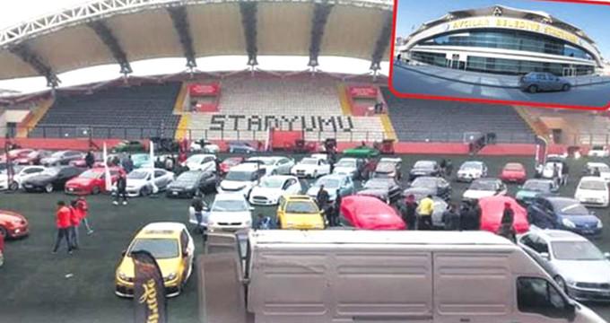 12 takımın maçlarını oynadığı stadyumu, oto pazarına çevirdiler