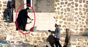 Bu kare Türkiye'de çekildi! Cami inşaatında çalışan bir rahip