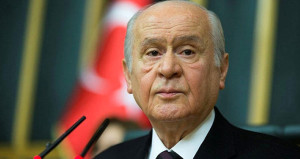 Beşiktaşlı Bahçeli, düşme potasına giren Fenere sahip çıktı