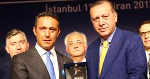 Erdoğanın danışmanı, Ali Koç yönetimini hedef aldı