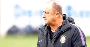 Galatasaraydaki Fatih Terim - yönetim krizi ortaya çıktı