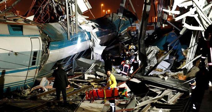 9 kişinin can verdiği tren kazasıyla ilgili 3 kişi gözaltına alındı