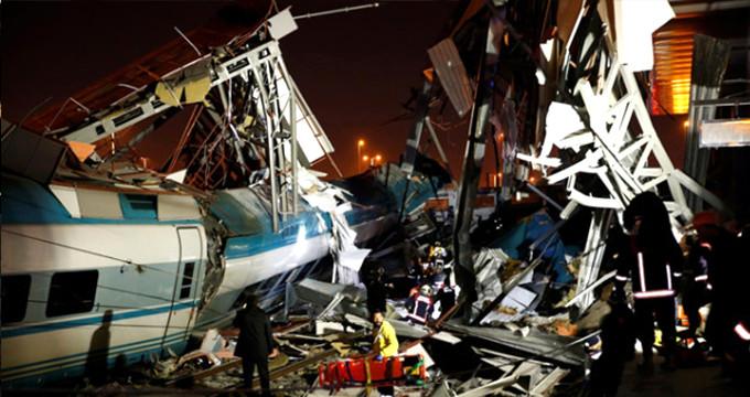 Ankara'da YHT ile kılavuz tren çarpıştı! Ölü ve yaralılar var