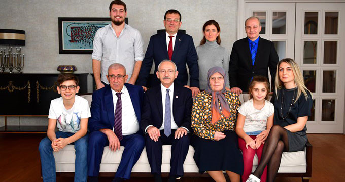 CHP'de İstanbul yarışını bitiren poz!