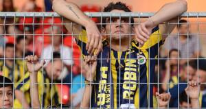 Fenerbahçe ligde taraftarını borsada yatırımcısını üzdü