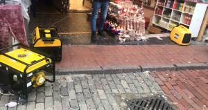 İstanbulun göbeğinde elektrik hizmeti almak için arkeolog bekliyorlar