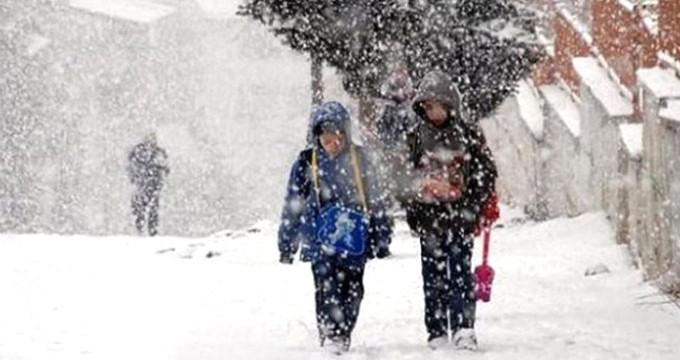 Vali Vasip Şahin duyurdu: Bugün okullar tatil