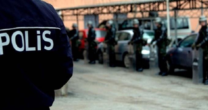 Emniyetten kritik operasyon! 2'si polis, 4 kişi tutuklandı