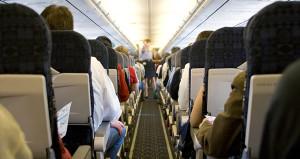 Eşinin gözü önünde yaptı! Uçakta skandal cinsel saldırı