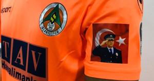 Süper Lig ekibi, maçta şehit polisi unutmadı