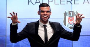 Beşiktaşın para vermediği Pepe, giderken personelin maaşını ödedi