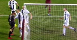 Ronaldo, penaltı golünden sonra ortalığı karıştırdı