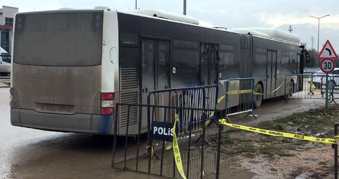 Cezaevi önünde dehşet! Otobüs, Gazi ve avukatlara çarptı