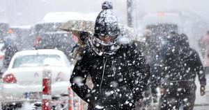 İstanbulda kar kapıya dayandı! Akşam saatlerine dikkat