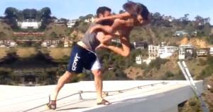 Çılgın Playboy, çatıdan model fırlattığı evini kiralığa çıkarttı