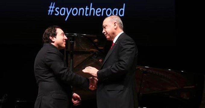 Cumhurbaşkanı Erdoğan'dan Fazıl Say'a dikkat çeken hediye!