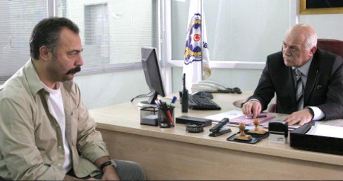 """Cübbeli Ahmet'e """"Soysuz it"""" diyen ünlü oyuncuya ceza geldi!"""