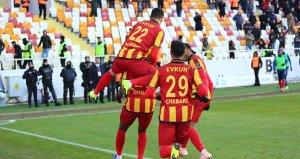 Gol düellosunun galibi Evkur Yeni Malatyaspor!