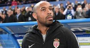 Monacoya hoca olan Henryden rakip futbolcuya ağır küfür