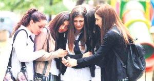 Ünlü oyuncu Elif Ceren Balıkçının annesi hayatını kaybetti!