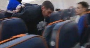 Yolcu uçağını kaçırmak isteyen hava korsanı böyle yakalandı