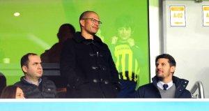 Fenerbahçeli efsane Alex, Konya maçında tribüne çıktı