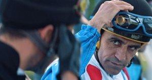 Yarışa giden Halis Karataş, Arap ülkesinde mahsur kaldı