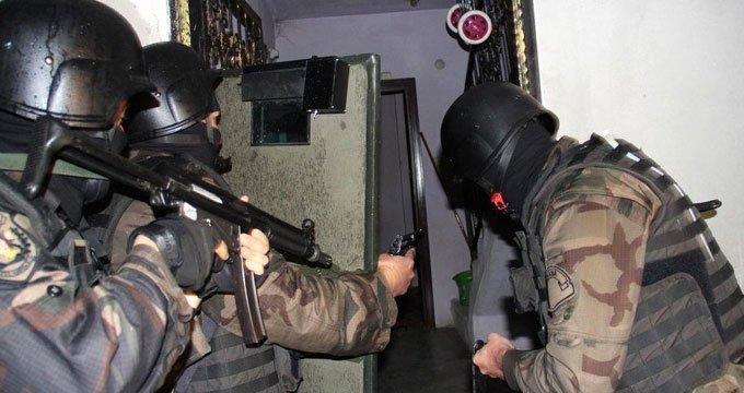 Kritik operasyon! Kırmızı bültenle aranan 2 terörist yakalandı