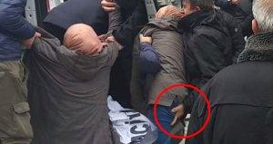 Polisin eylemciye yaptığı hareket tartışma yarattı