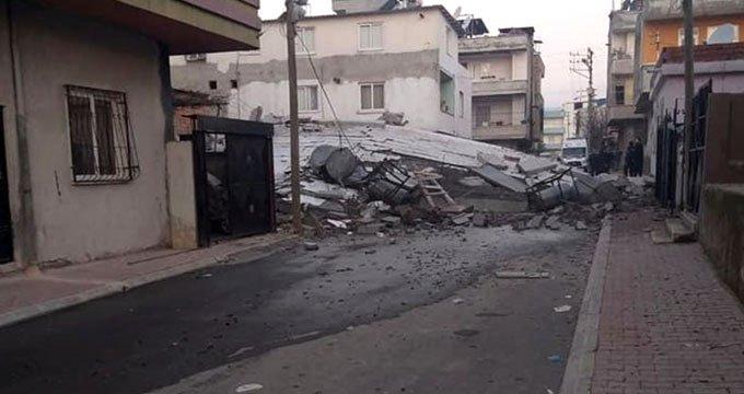 5 katlı bina çöktü, enkazda arama çalışmaları devam ediyor