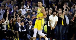 Currynin 36 sayı attığı maçta Warriors kazandı