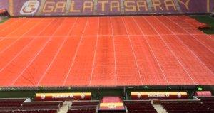 Galatasaray TT Stadının zeminini branda ile kapattı! İşte nedeni