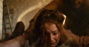 Game of Thronesun tecavüz mağduru, terliğiyle dudak uçuklattı!