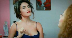 Güzel oyuncu, aradığı aşkı İspanyada buldu