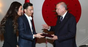 Özil, Erdoğana davetiye vermişti! O iddia ortaya atıldı