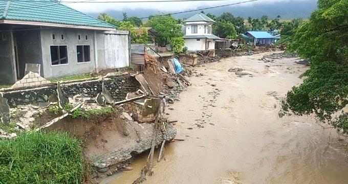 Büyük felaket! Ülke sular altında kaldı, 92 ölü, 160 yaralı