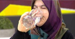 Günde 25 litre su içen kadın, hayat hikayesiyle ağızları açık bıraktı!