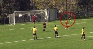 Galatasarayın genç futbolcusundan alkış alan hareket!