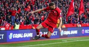 2 golle yıldızlaşan Cenk, gruptaki favorisini açıkladı!
