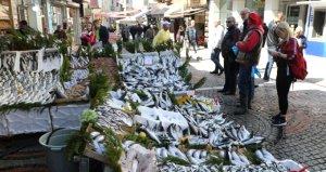 Hamsiyi tahtından eden balık! Kilosu 15 liradan kapış kapış satılıyor